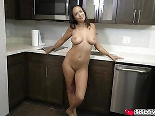 Big tits stepsis Sofi Ryan showing of her curves