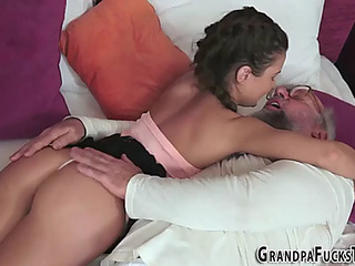 Legal Age Teenager acquires old dick facial