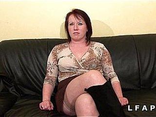 BBW Maman cougar deboitee fistee sodomisee DP facialisee pour son casting