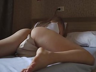 HOT BLONDE IS DESPERATE TO CUM HUMPS PILLOW
